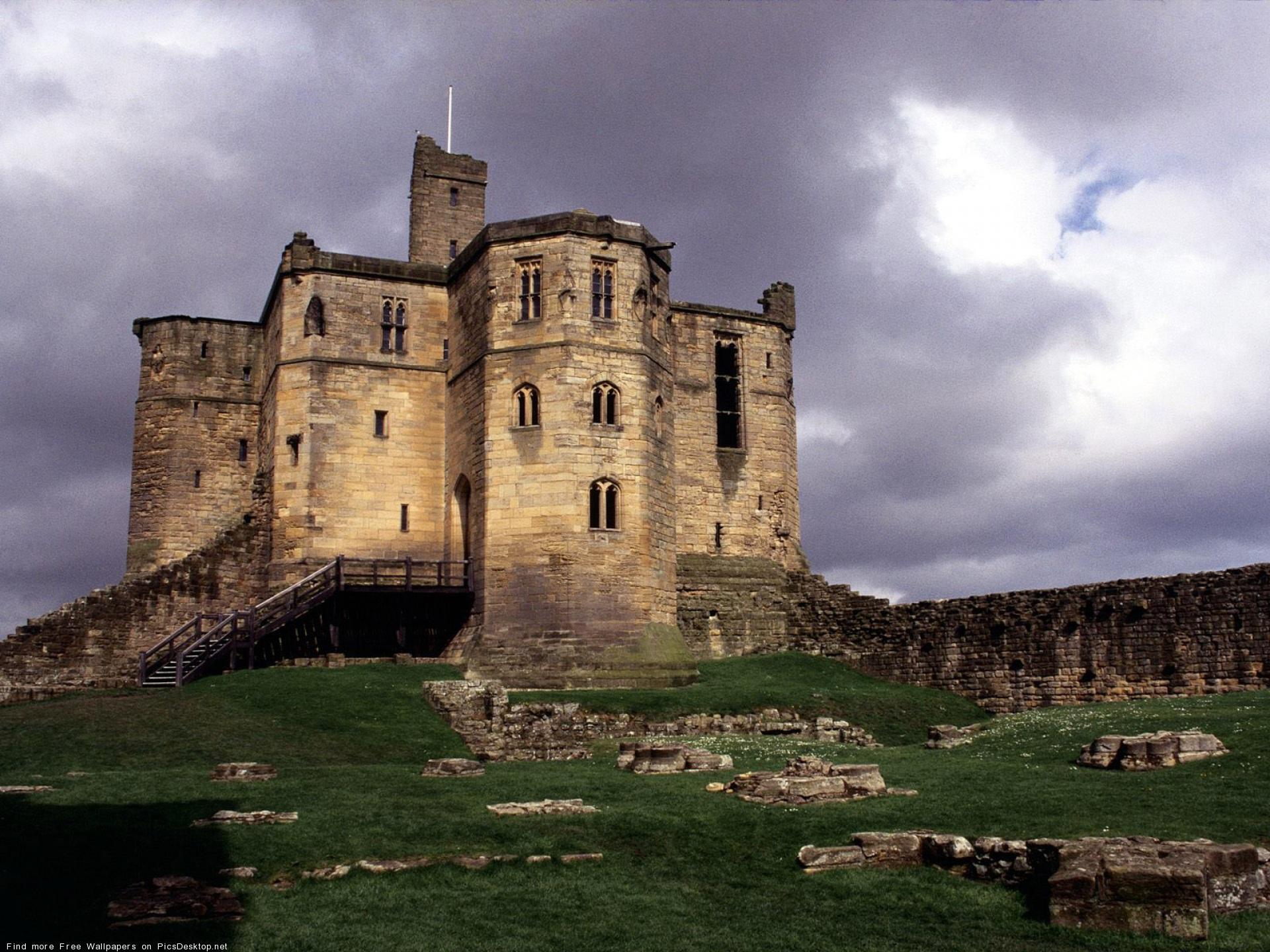 Секс в старинном замке 1 фотография