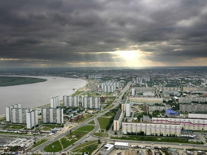 Нижневартовск очень молодой город.  Статус города ему присвоен в 1972 г. Развитие...